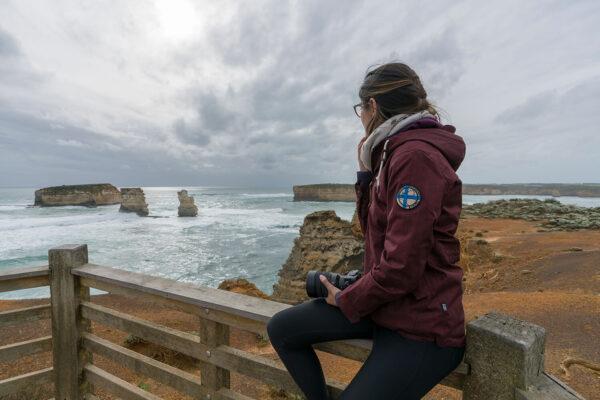 Australien GOR_Steffi auf Geländer
