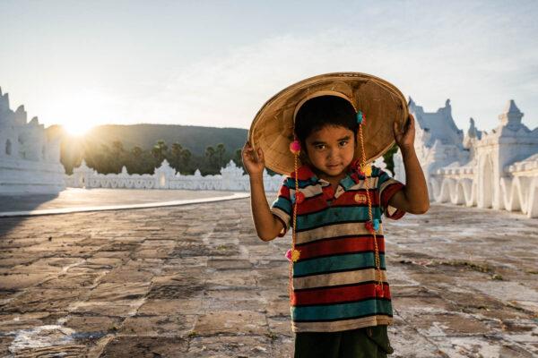 Myanmar kleiner Junge